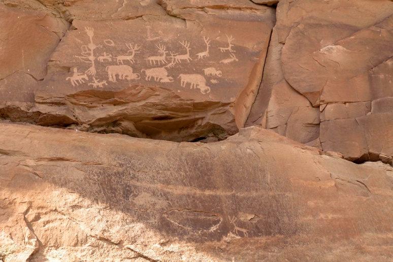 Depictions such as this are obviously more contemporary than the presumed pre-Columbian glyphs that predominate here. These are likely either Navajo or Ute in origin.